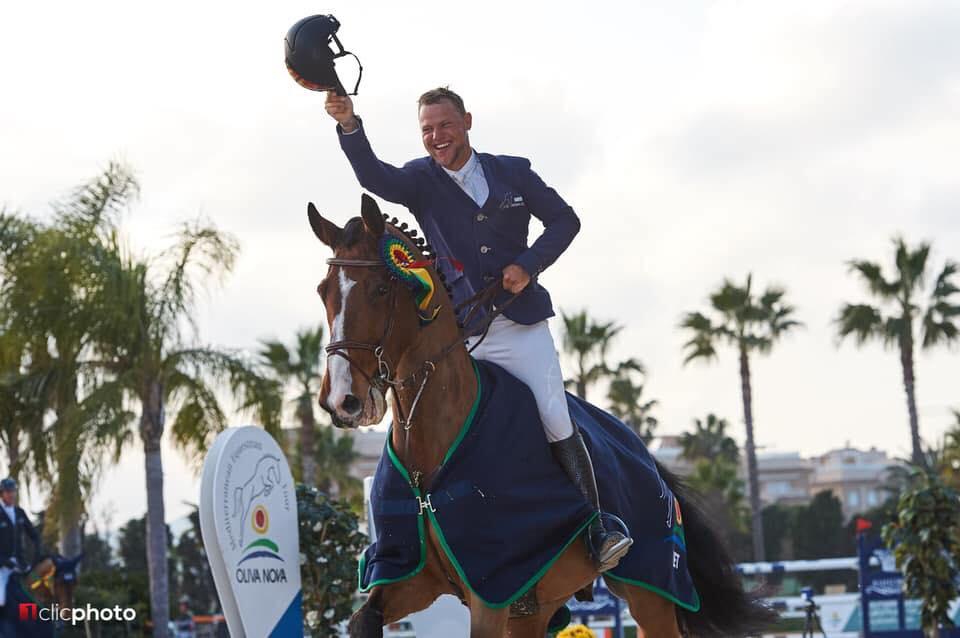 Jean-Christophe de Grande dit au revoir à deux chevaux Grand Prix