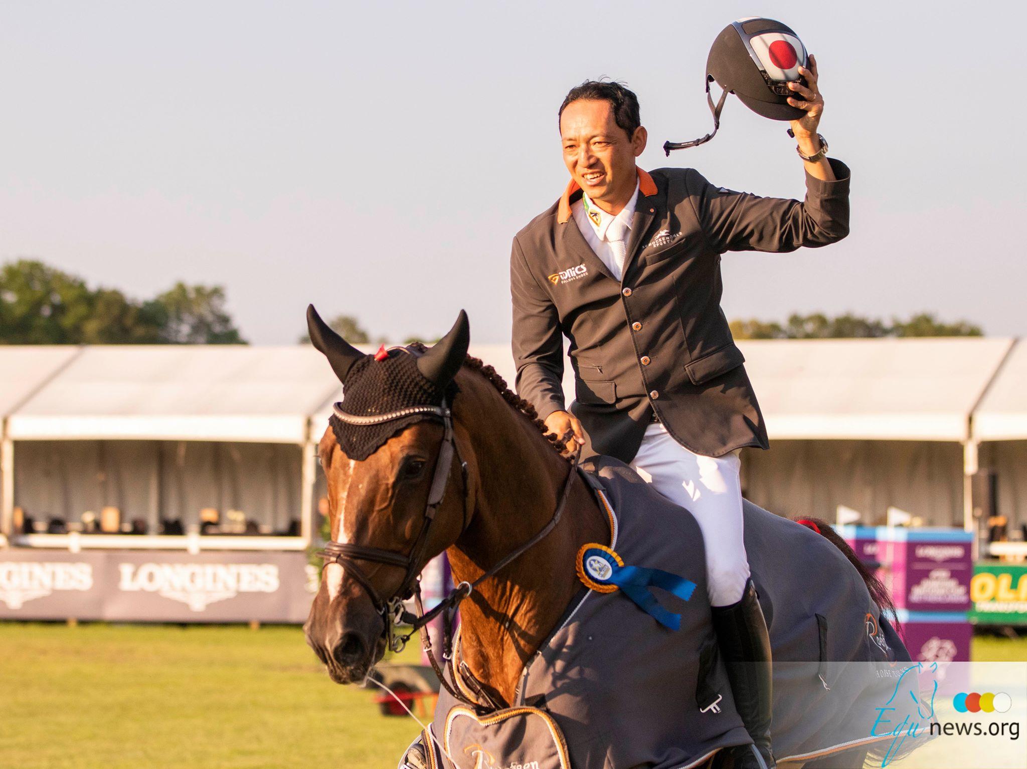 Dries Van der Linden zorgt voor Belgisch succes in Grote Prijs Geesteren. Daisuke Fukushima kan geluk  niet bedwingen.