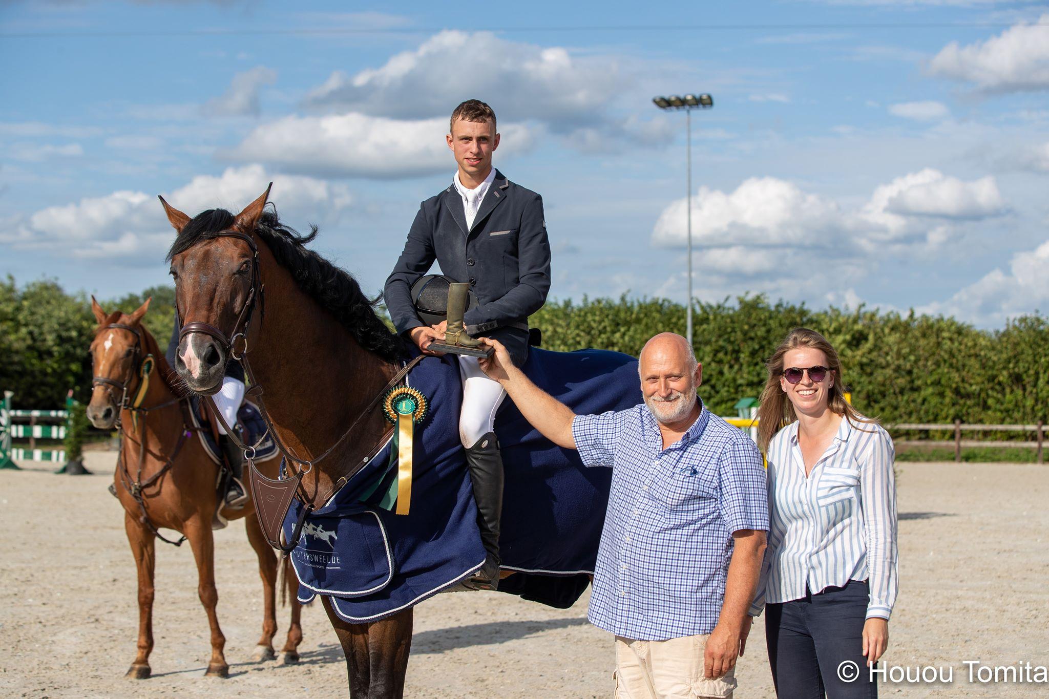 Roy Van Beek viert feest in Turnhout