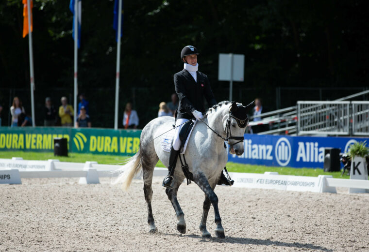 Dramatic tie and dazzling Dane opening day of Para Dressage