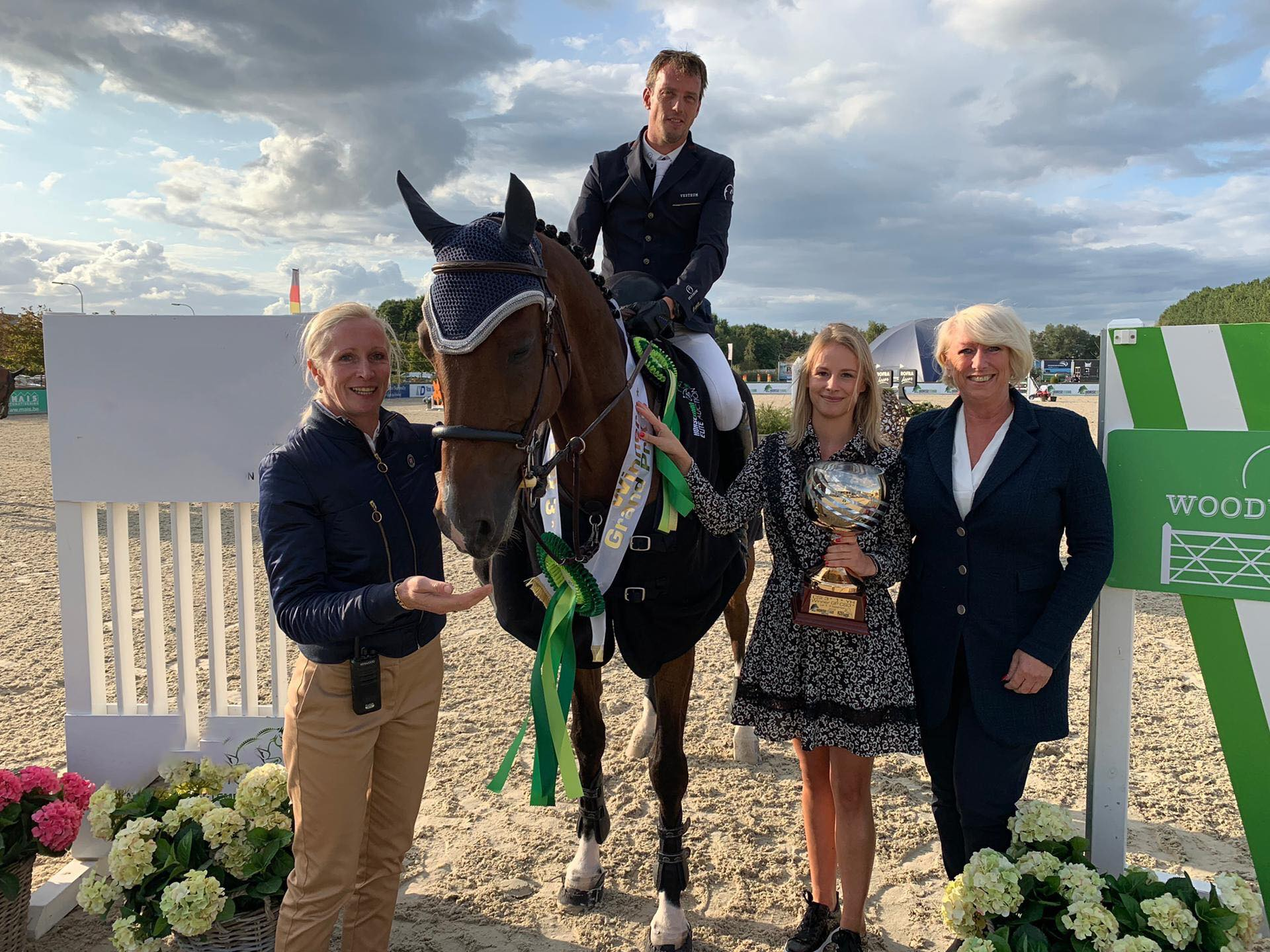 Harrie Smolders is master of the jump-off in Grand Prix Lier