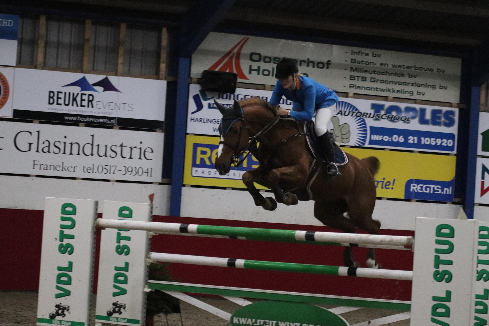 Marriët Smit Hoekstra wint GP Jumping Indoor Franeker