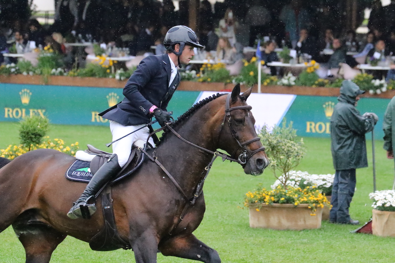 Darragh Kenny's Go Easy de Muze retires from the sport