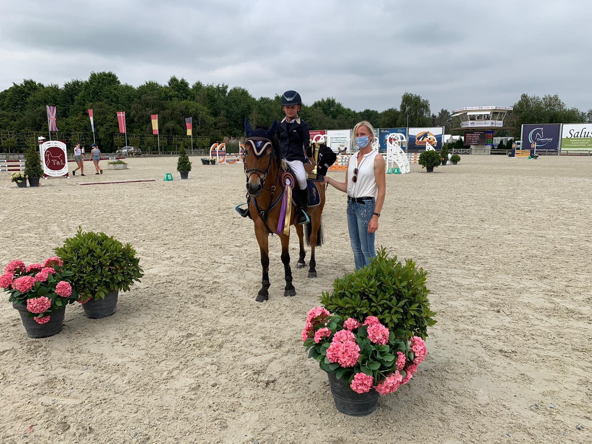 Anthonissen en De Schrijver winnen bij de pony's in Azelhof