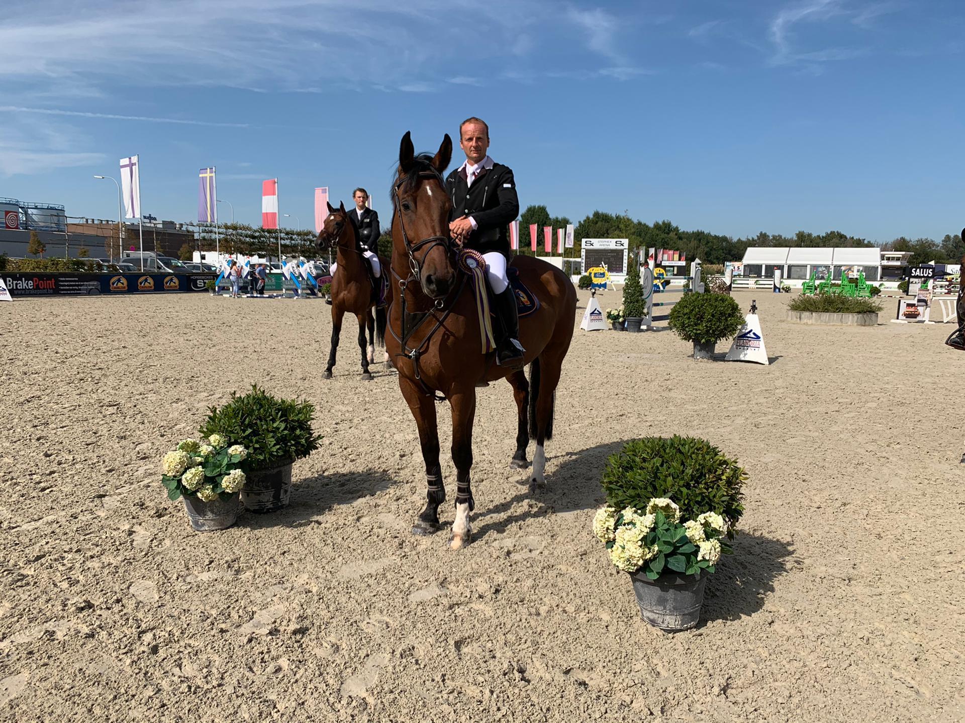 Nico Baerts springt naar de overwinning in Beloftecriterium KR