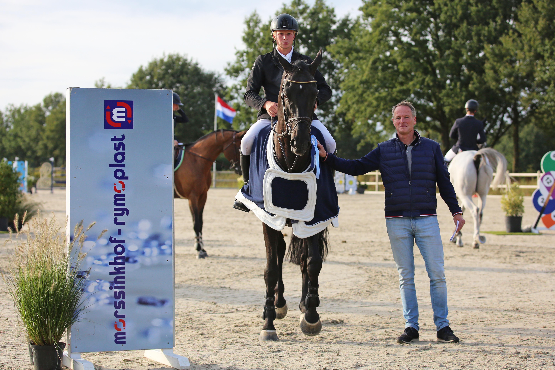 Dennis van den Brink niet te tippen in Grote Prijs Outdoor Vragender