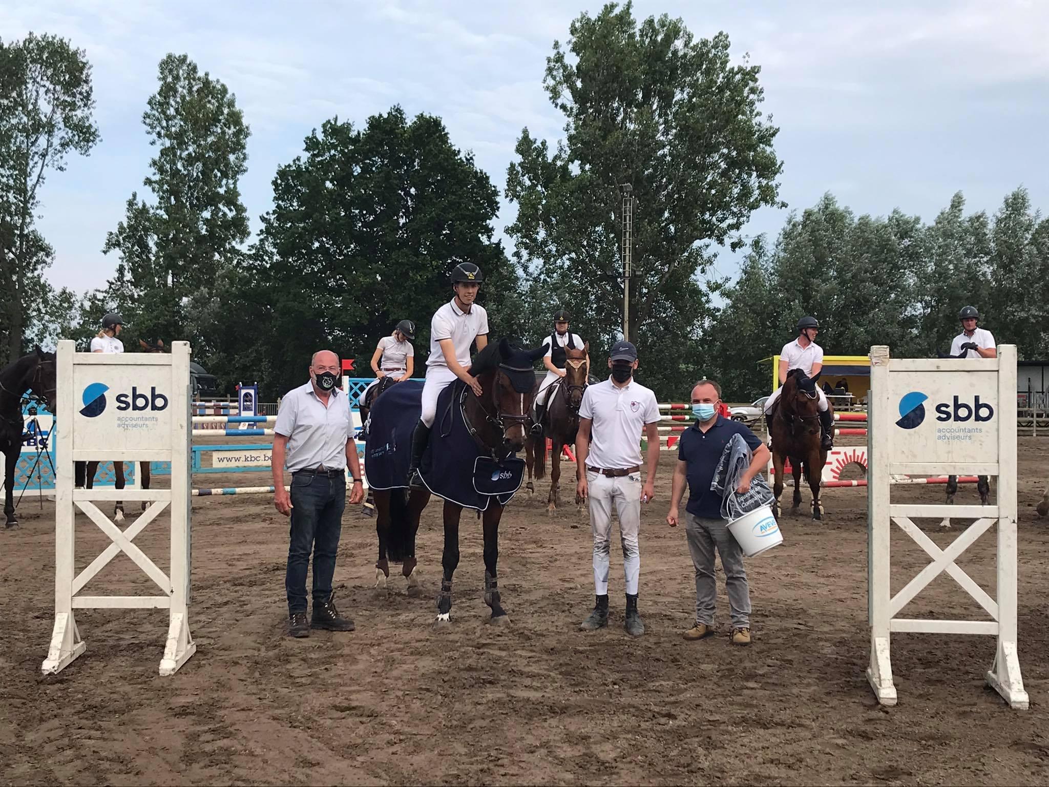 Stef Robberecht wint met Pandora van de Kruishoeve SBB jonge paarden in Eksaarde Doorslaar