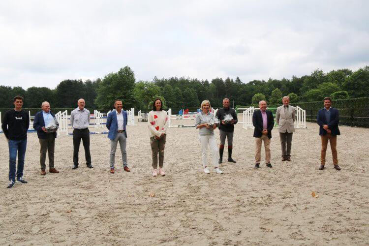 Minister Hilde Crevits zet eerste stap in aanpak milieubeleid paardensport ...