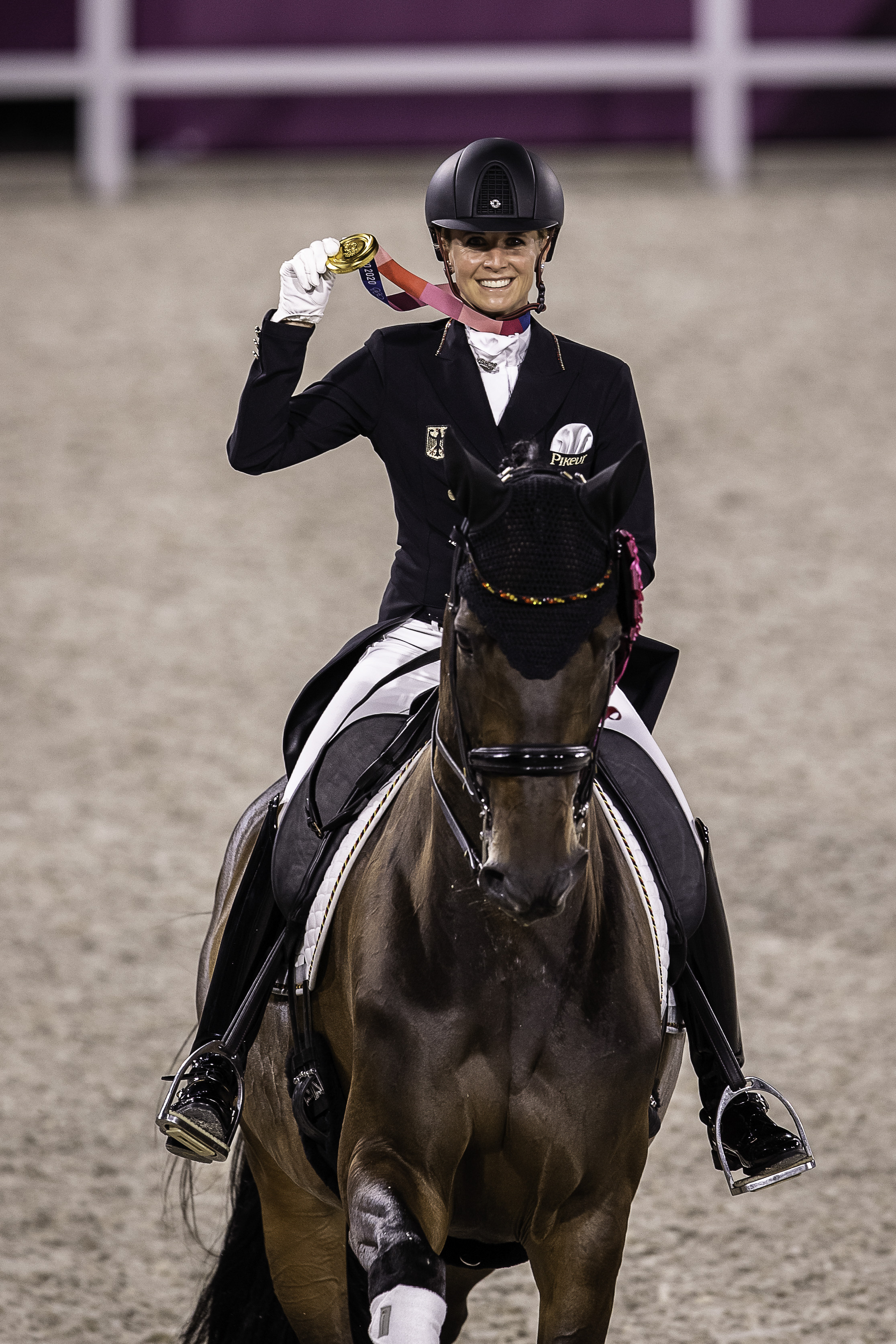 Jessica von Bredow-Werndl to Olympic gold with monster score