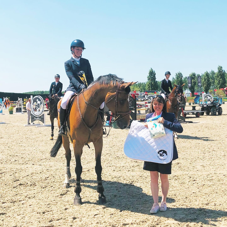 Celine De Cabooter schittert met troosting winst in Meerdonk