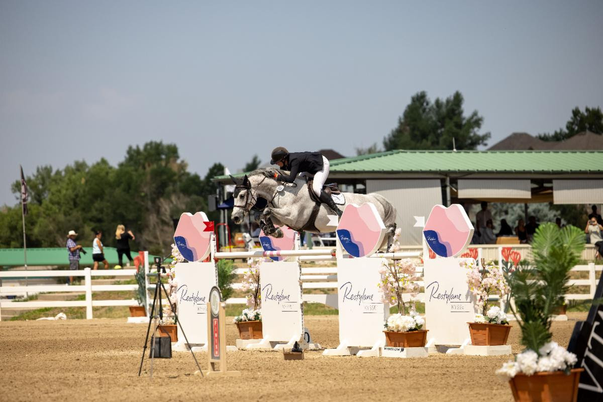 Back-to-Back Wins for Hunter Holloway and Pepita Con Spita with Victory at Denver International CSI2*