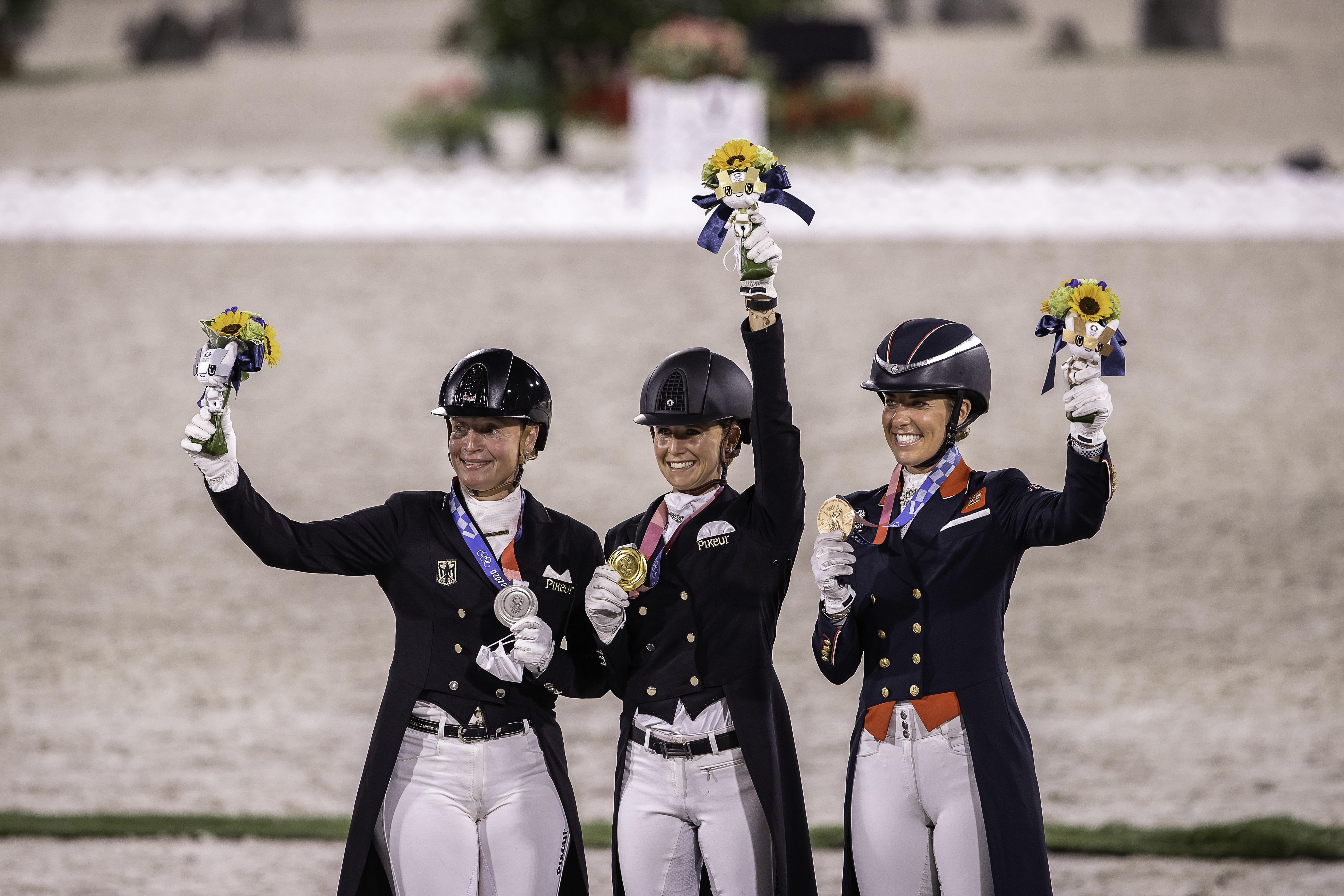 Olympische Spelen: waarom krijgen alle winnaars naast een medaille ook bloemen?