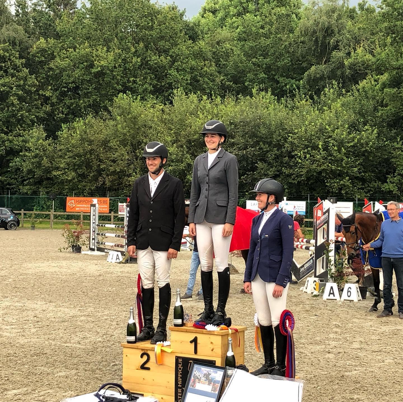 Valentijn De Bock en Emma Rooms winnen Oost-Vlaamse kampioenschappen jonge paarden