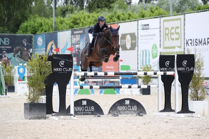 Martin Fuchs koopt bij Belgische Picobello Horses en Bariphi Stables