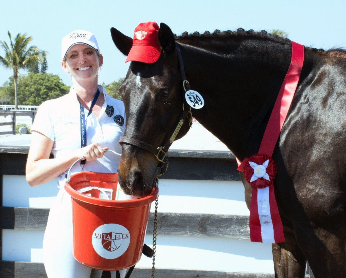 Tina Irwin and Laurencio Bring Canada to First Place Finish in Wellington's Nations Cup and Earn Vita Flex Victory Pass Award