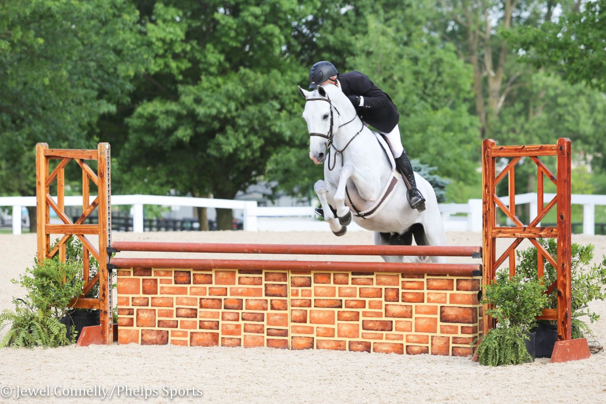 Jeff Gogul and Snowbird soar to victory in the USHJA National Hunter Derby of Kentucky