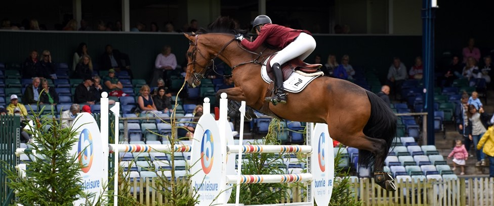 Tame leaves all competition behind in CSI3* Vilamoura