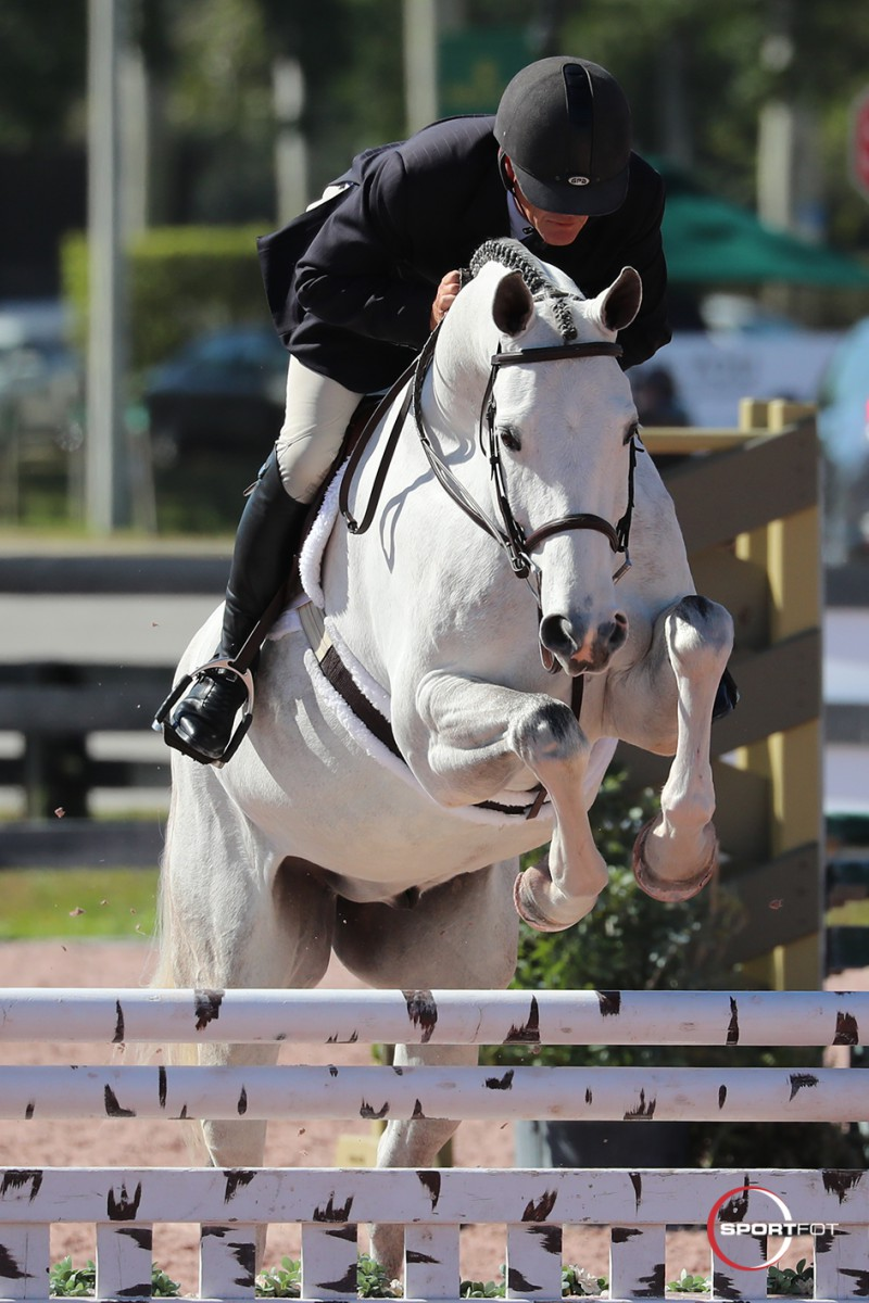 Rob Carey Pilots First Watch to Perfect Products USHJA Hunter 3' Championship