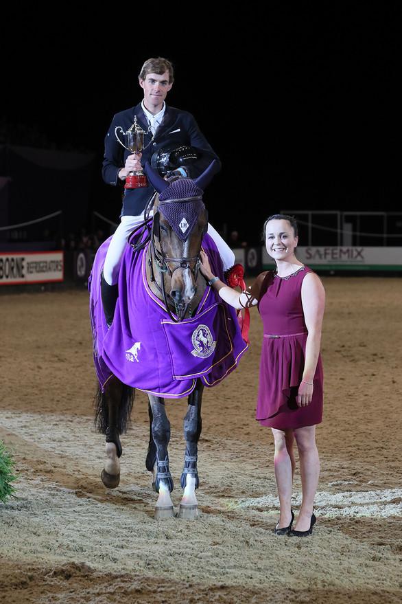 Geoffroy De Coligny wins the Accumulator at HOYS
