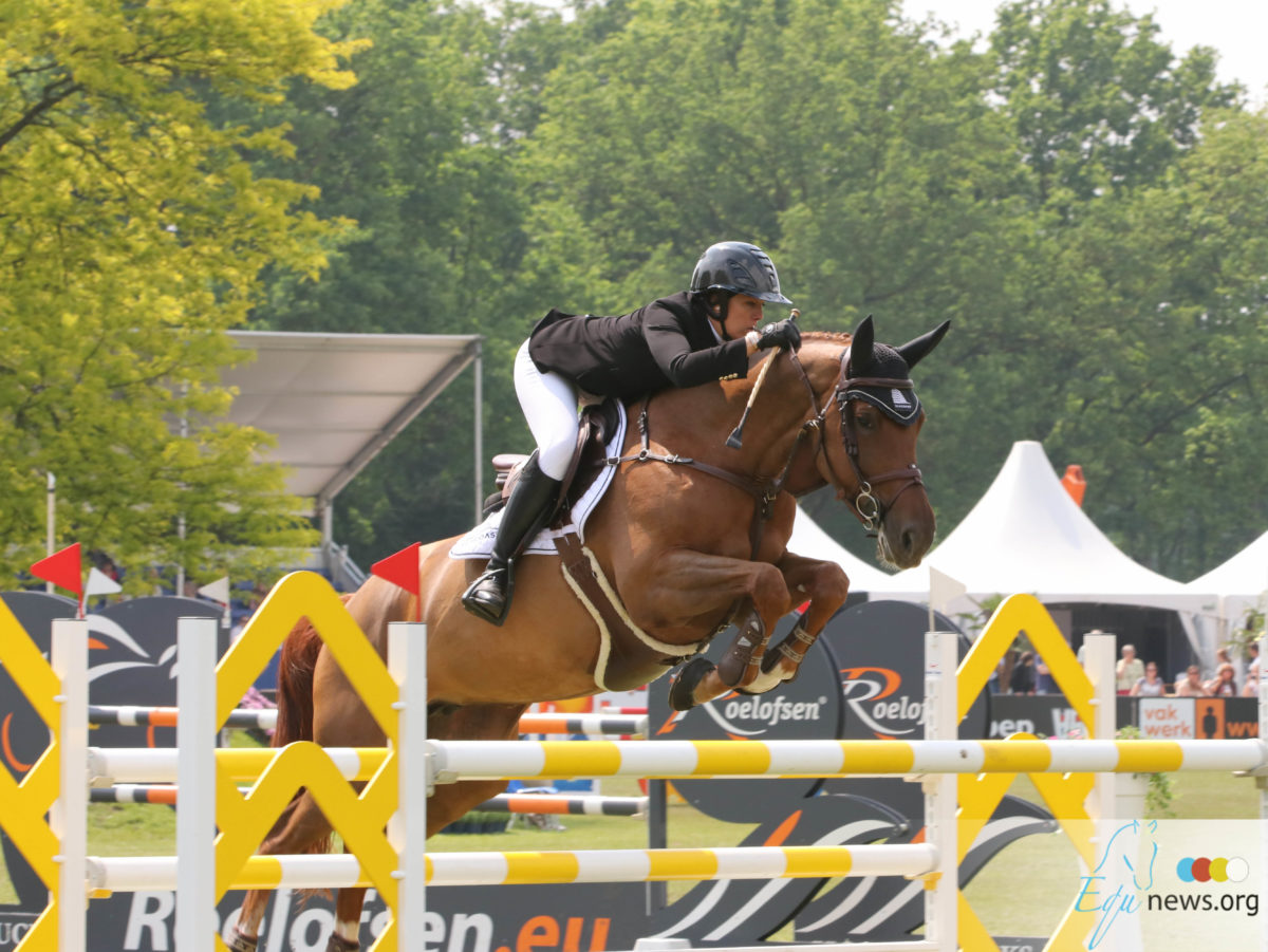 French rider Mathilde Pinault now also buys GP-horse Sea Coast Kira from Gudrun Patteet