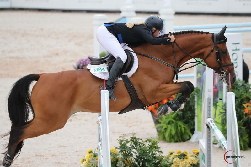 Kristen VanderVeen and Bull Run's Almighty Clinch the $36,000 Sunday Classic CSI 4* at TIEC