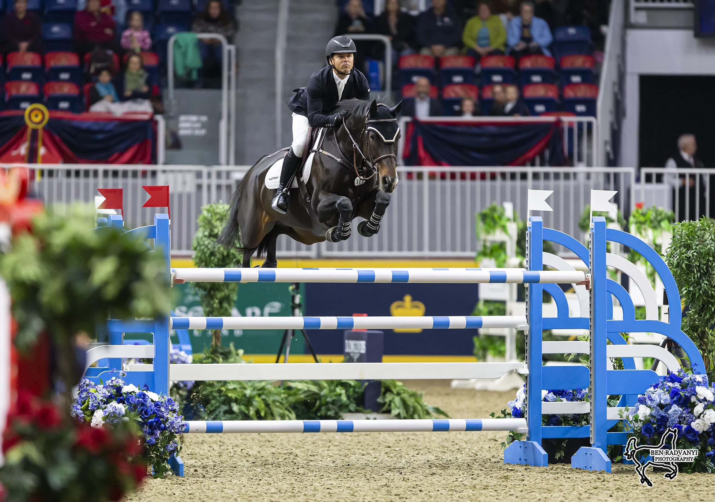 Kent Farrington Speeds to Victory at Toronto's Royal Horse Show