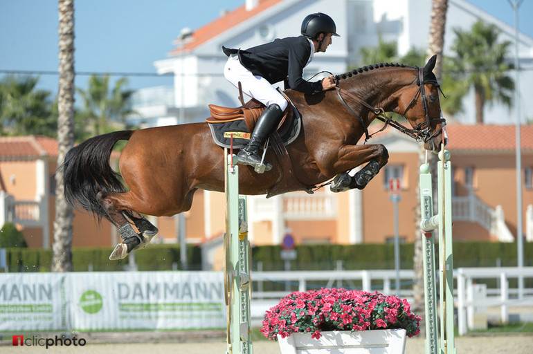 Harold Boisset jumps to victory in the MET Longines Ranking class