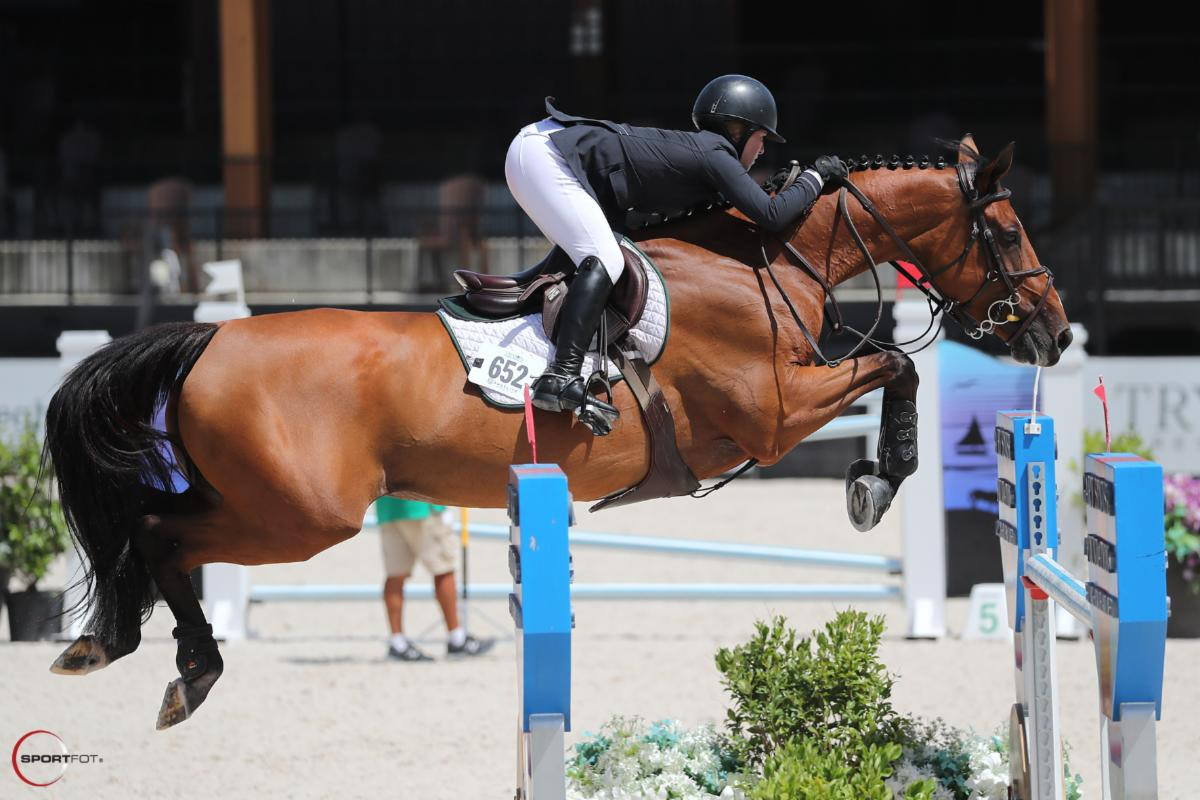 Alexandra Pielet and Helene Ve Scoop Up $25,000 Sunday Classic Win