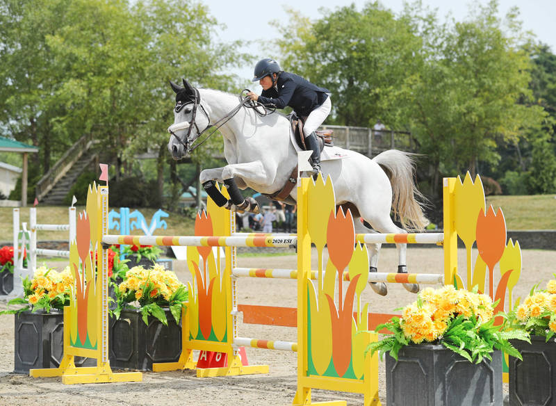 Leslie Howard & Donna Speciale Dominate in $25,000 SmartPak Grand Prix at Hits Saugerties