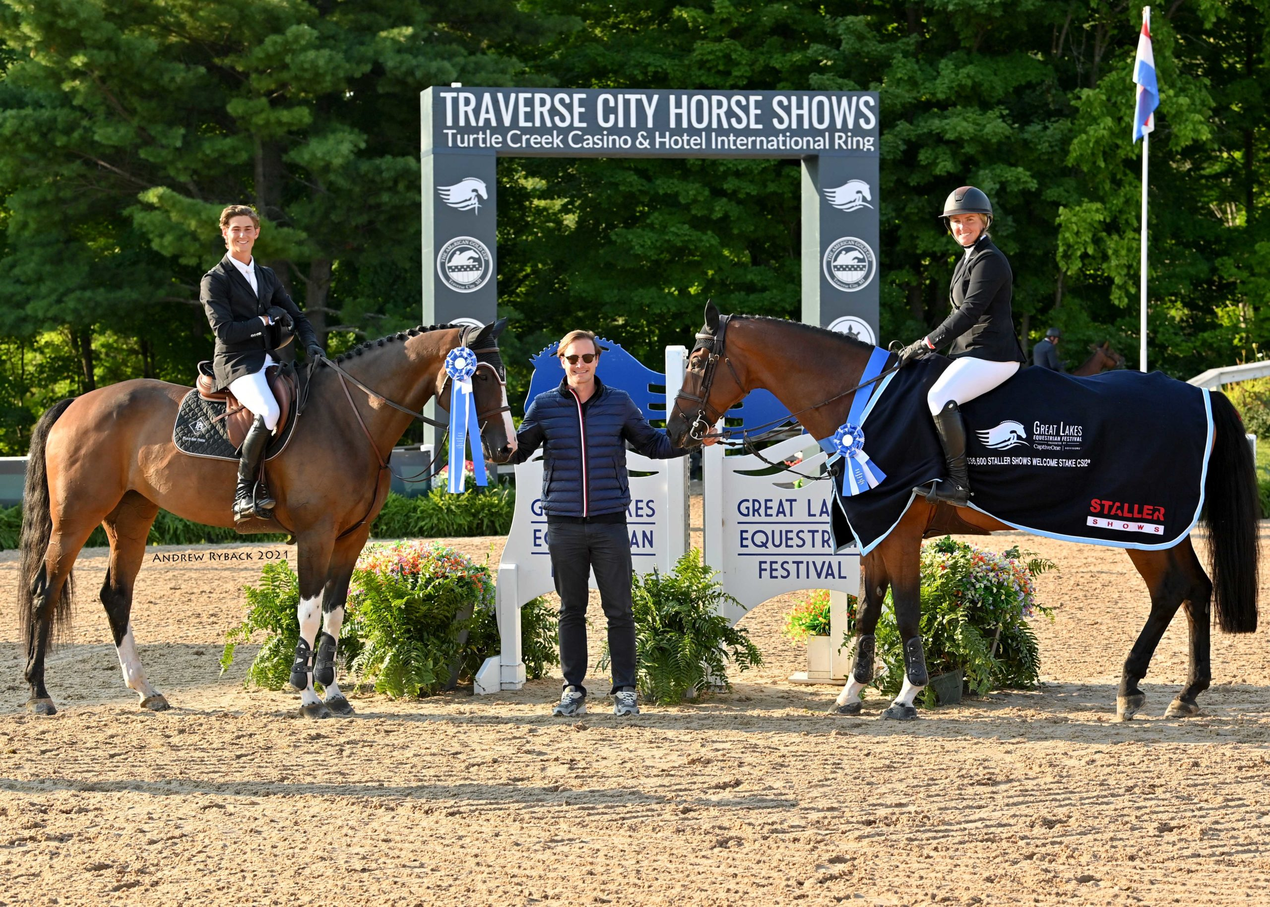 Samantha Schaefer and Dominic Gibbs tie for top honors  $36,600 Staller Shows Welcome Stake CSI2*
