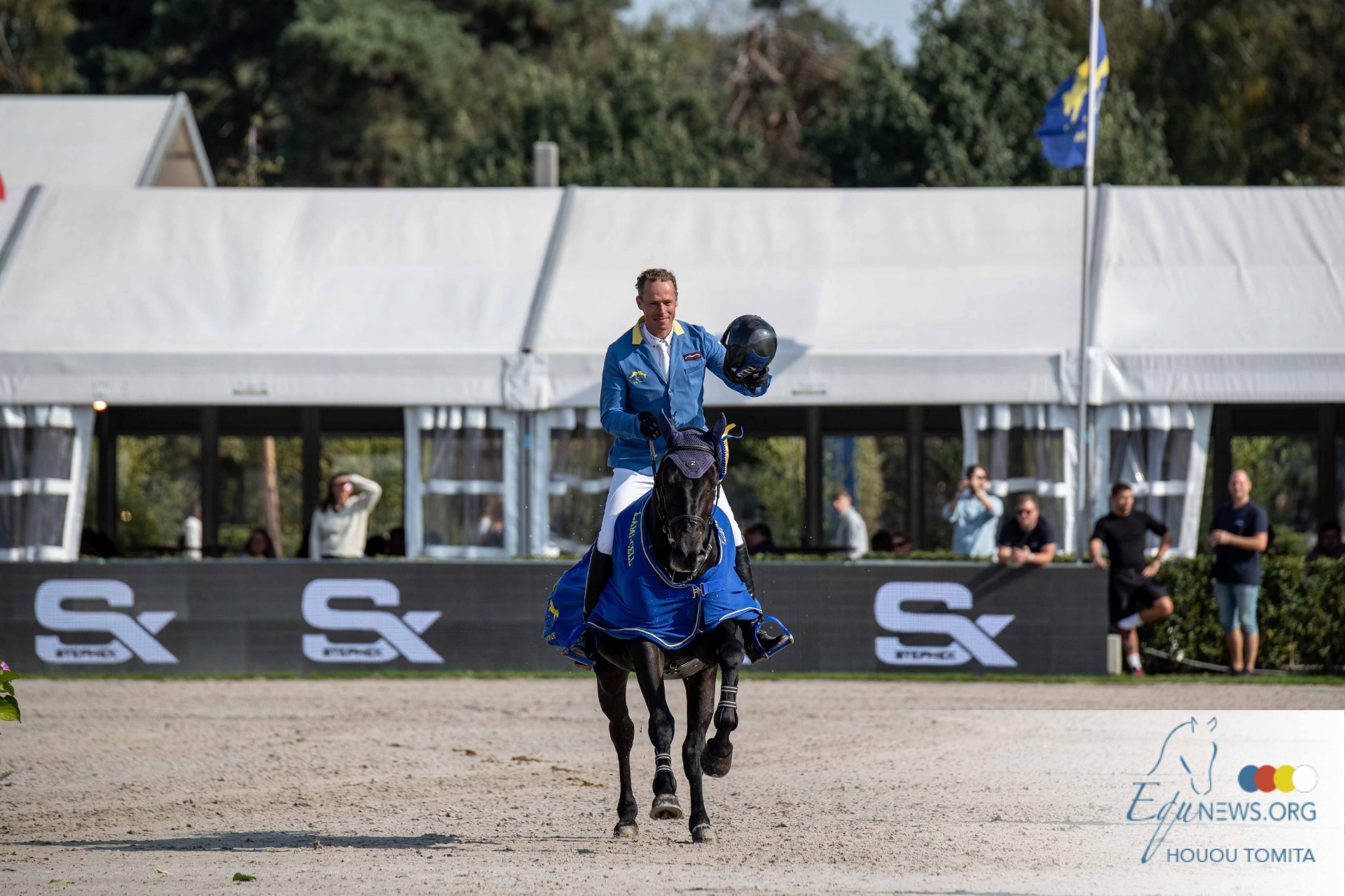 Christian Ahlmann and Querido VG are the new World Champions in the 5-year olds!