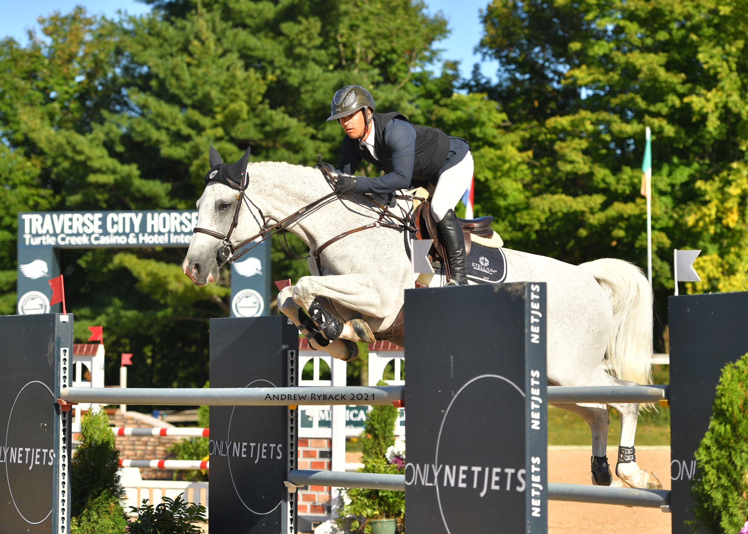 Tomas Yofre and Cardora top Large Tour Grand Prix at Traverse City Horse Show