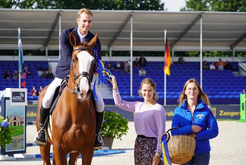 Zangersheide: Richard Vogel takes first and second place in the first qualifier for 7yo horses