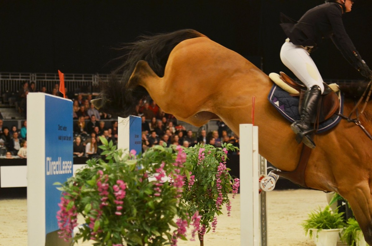 Lily Attwood speeds to victory in Liège