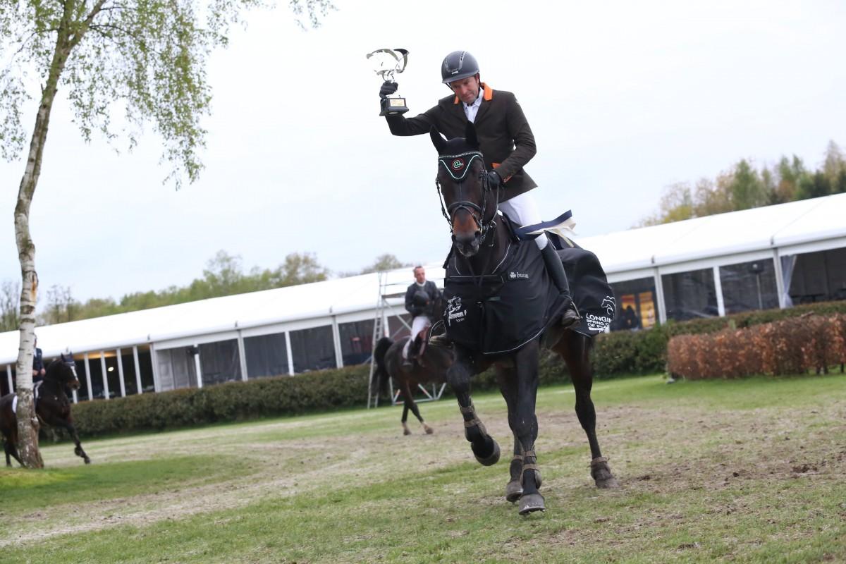 Inonstop van't Voorhof passed away