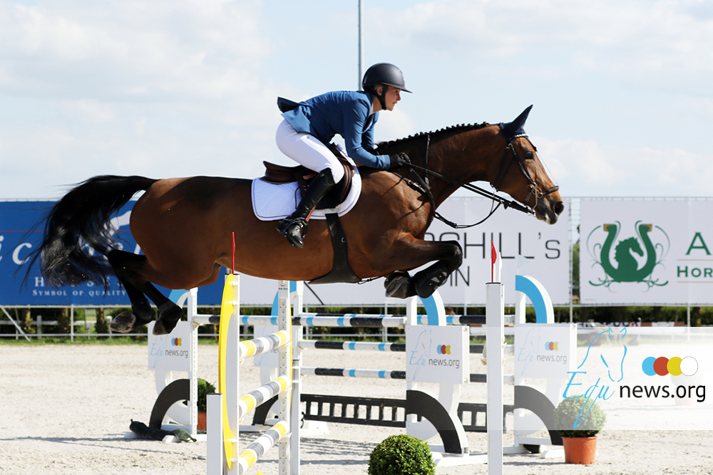 Stephanie Andries en Fabienne Daigneux-Lange vallen op in Oliva