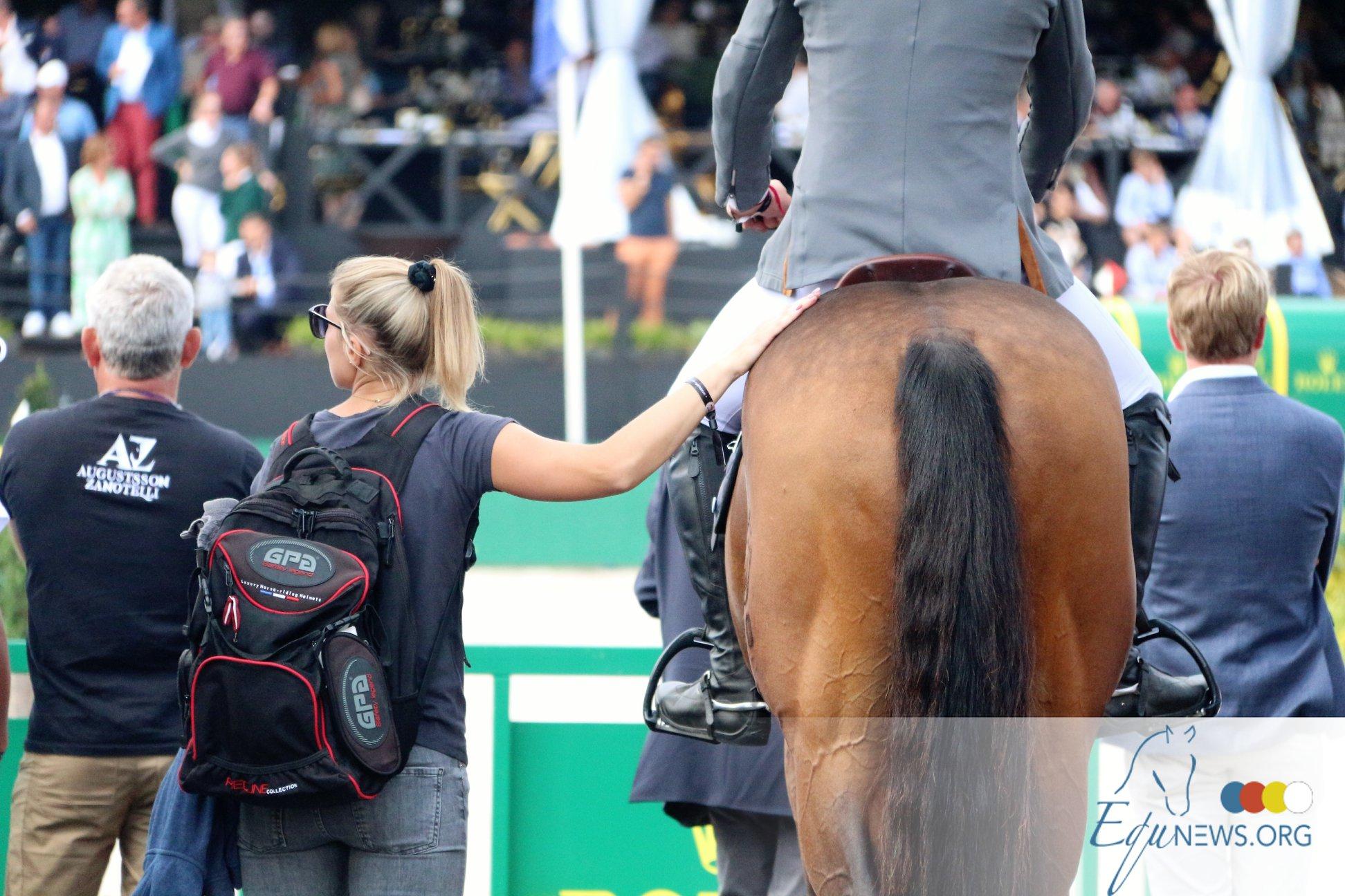 Le grooming, le job de rêve pour tous les passionnés de chevaux. Mais quels sont vos droits et combien pouvez-vous gagner ?