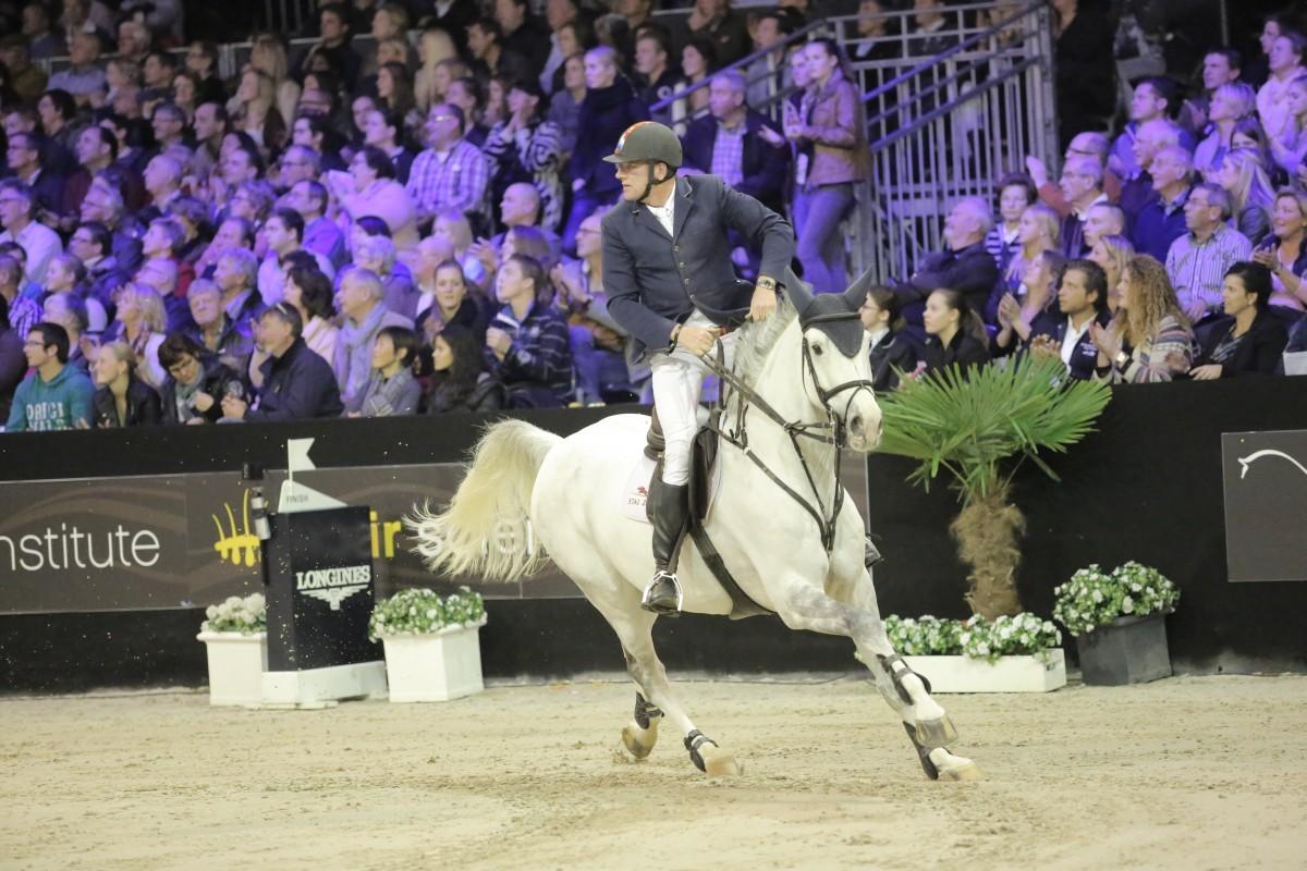 Albert Zoer regeert in Grote Prijs Indoor Tolbert
