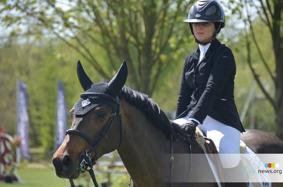 Emma Augier de Moussac suspended by the FEI