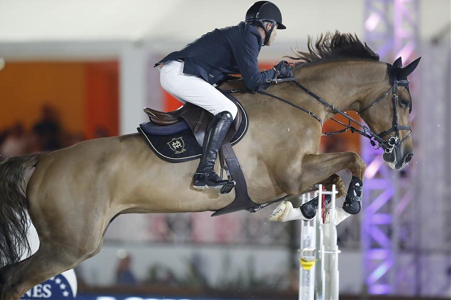 How to: de techniek van je paard over stijlsprongen verbeteren