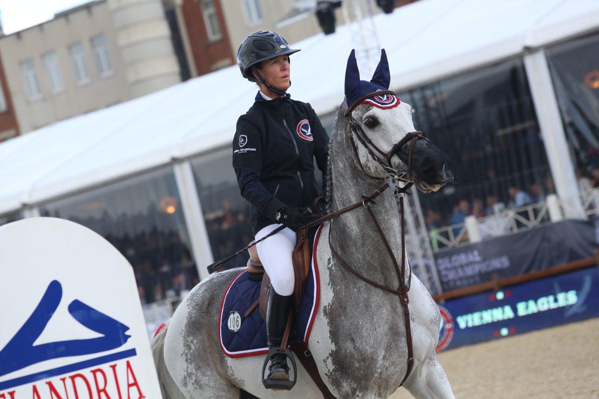 Lauren Hough welcomes 'The Ten' horse in her stables