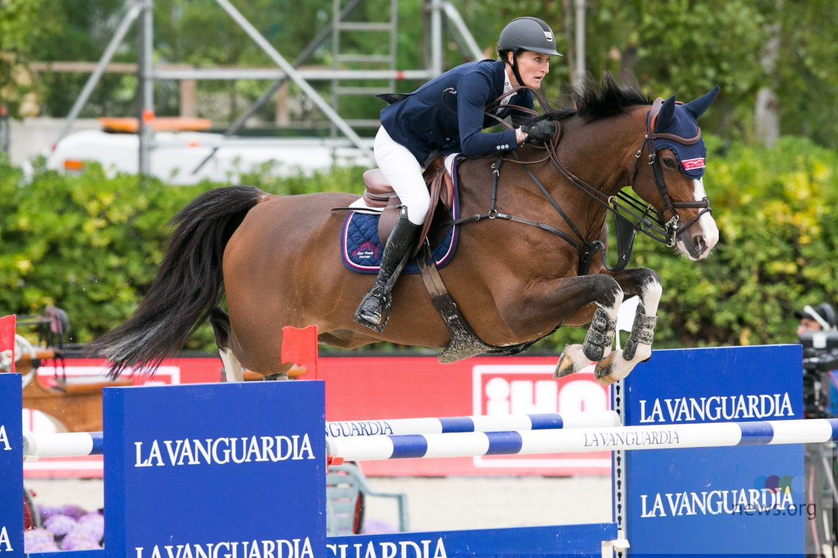 Aniek Poels start in Knokke met vijfde plaats in CSI3* 1,45m