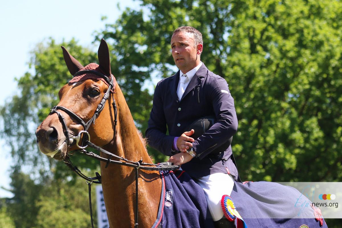 Karel Cox sells CSI5* horse to Veronica Tracy