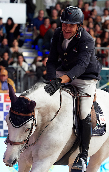 Michael Pender claims Vilamoura top class CSI3* today