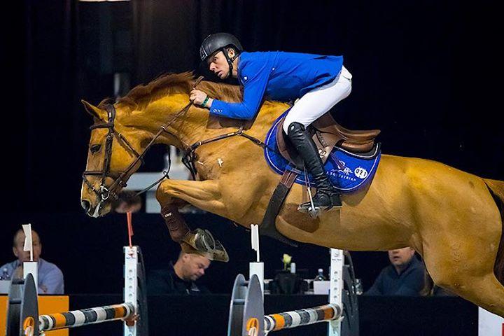 Bart Bles overtuigend aan zet op concours Zwolle