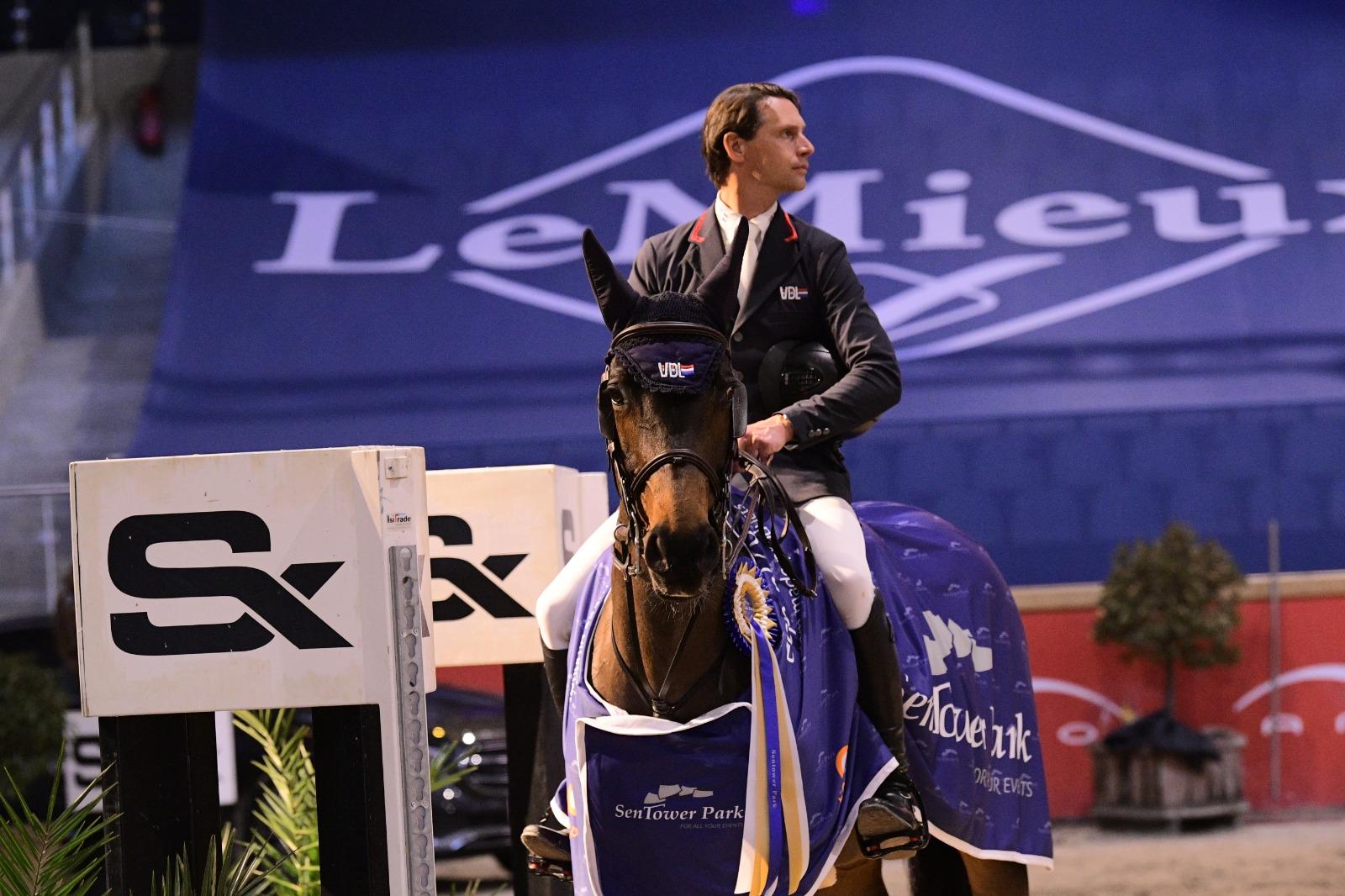 Leopold van Asten rijdt alle concurrentie naar huis in CSI2* Grand Prix van Opglabbeek